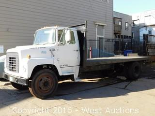 1971 Ford 700 Flatbed Truck
