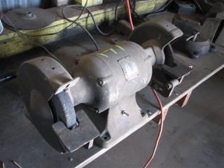 Milwaukee Bench grinder