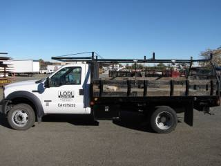 2007 Ford F-550 Super Duty Flatbed Truck