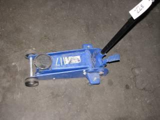 Westward 3 Ton Hydraulic Jack