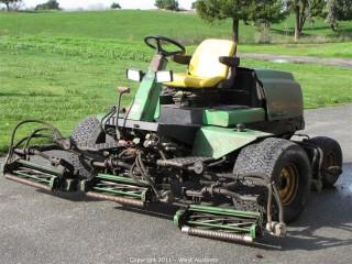 John Deere Fairway Mower 3215B