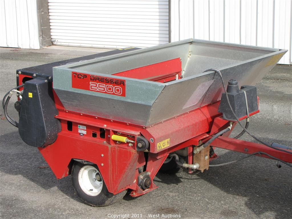 with walking top trailer turfco dresser
