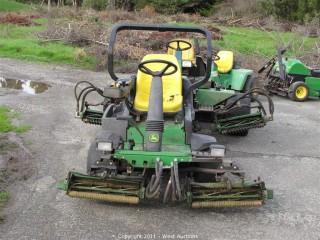 John Deere 2500A Greens Mower