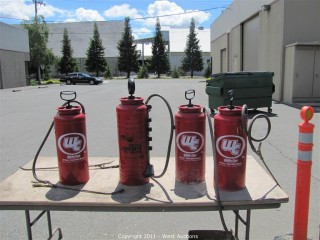 (4) Tri-Poxy Lined Steel Sprayers Chapin Industrial 3.5-Gallon Viton Concrete Open Head Sprayer 1949