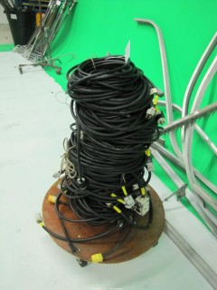 (10+) 50' Long Extension Cords on Rolling Cart