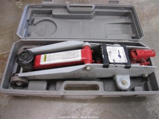 Larin 4,500 lb. Hydraulic Floor Jack in Case