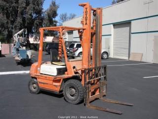 Toyota Gasoline Powered 8,500 lb. Forklift
