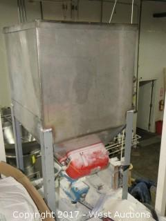 Stainless Steel Vibrating Hopper with Syntron Magnetic Feeder