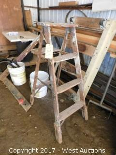 4' Wood Ladder