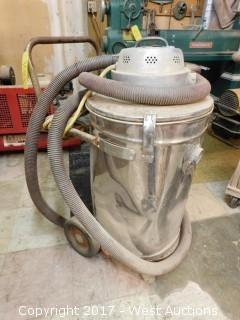 Milwaukee 8912 Vacuum Cleaner on Cart
