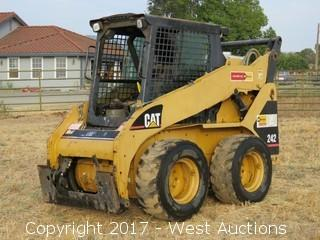 CAT 242 Skid Steer