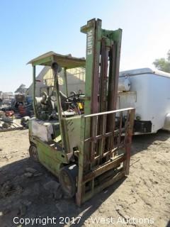Clark Forklift (For Parts)