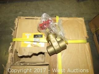 (1) Box of 4 Cast Brass Gate Valves 1-1/4