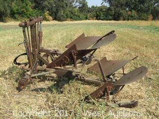 John Deere 825 3 point Hydraulic Rollover Plow