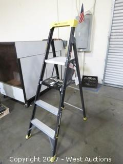Gorrila Ladders 6' Fiberglass Hybrid Ladder