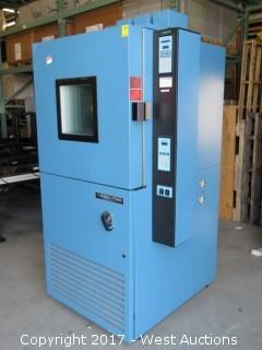 Thermotron S-8S-SL Hot/Cold Environmental Test Chamber