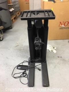 DeWert Power Desk Lift