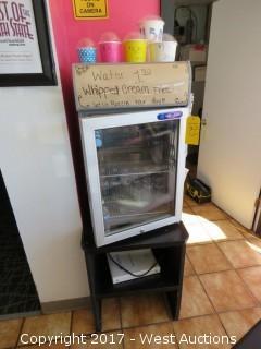 Metalfrio Glass Door Countertop Cooler with Stand