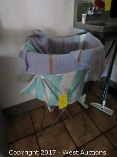 Wire Rack Hamper with Cleaning Towels