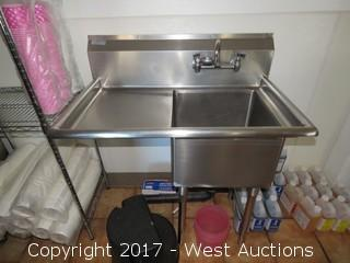 Single-basin Stainless Steel Sink, With Plastic Stool