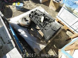 Pallet; 06' F-350 Transmission (Needs Repair)