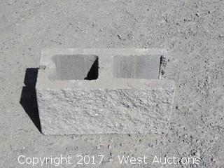 1 Pallet Masonry Block - 8x8x16 OESTD Split Face 1 Side - Grey Lightweight