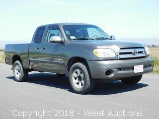 2005 Toyota Tundra SR5 Extended Cab Pickup Truck