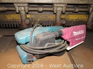 "Makita 9910 3"" X 18"" Portable Belt Sander"