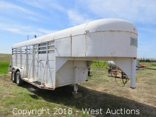 1974 Supre 25' 5th-Wheel Horse Trailer