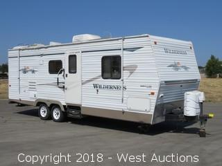 2004 25' Fleetwood Wilderness RV with Pop Out