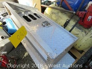 """Diamond Plate Storage Box 30"""" X 18"""" X 22"""""""