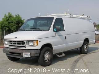 2001 Ford E-350 Super Duty Cargo Van