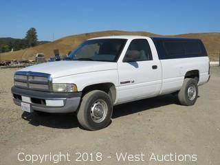 2001 Dodge Ram 2500 V8 Magnum Pickup Truck with Camper Shell