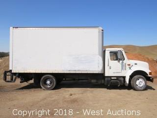 1999 International 4700 LP Diesel 4x2 16' Box Truck with Lift Gate (Not Running)