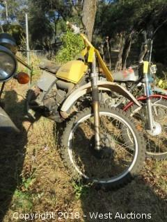 1977 Suzuki PE250 Motorcycle (For Parts)