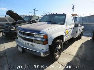 1998 Chevrolet Work Tow Truck (Not Running)