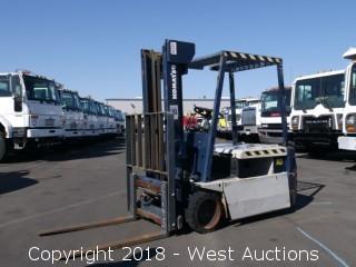 Komatsu 3,260lbs Capacity Electric Forklift