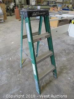 4' Louisville Fiberglass Ladder