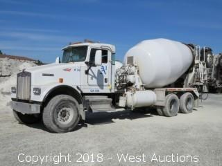2005 Kenworth W900 Mixer Truck with McNeilus 11 Cy Mixer