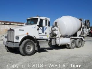 2015 Kenworth W900 Mixer Truck with McNeilus 10.5 Cy Mixer