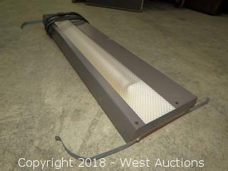 (13) Various Sized Fluorescent Light Bars