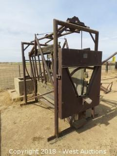 Portable Cattle Squeeze and Dehorning Gate