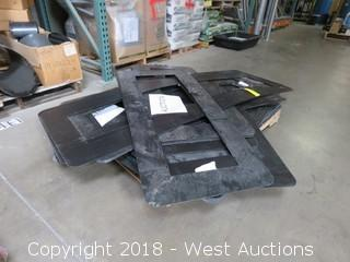 Pallet: (55)+ 3 Light Traffic Signal Cowlings