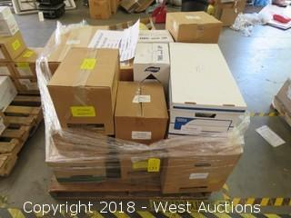 Pallet: (14) Boxes Of Commercial Fluorescent Bulbs