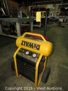 Dewalt 4.5 Gallon 200psi Wheeled Electric Air Compressor