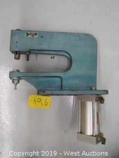 Pneumatic Grommet Machine