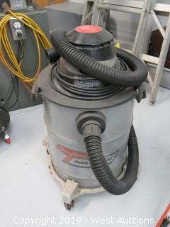 Dayton 2Z564E Wet/Dry Vac