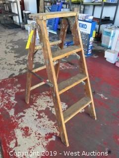 3' Wood Step Ladder
