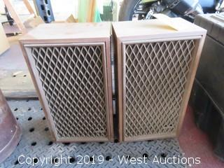 (2) Radio Shack 60 Watt 8 Ohm Speakers