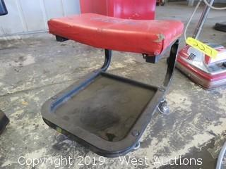 Duralast Garage Seat